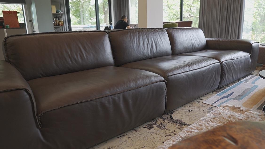 sofa da nâu đậm