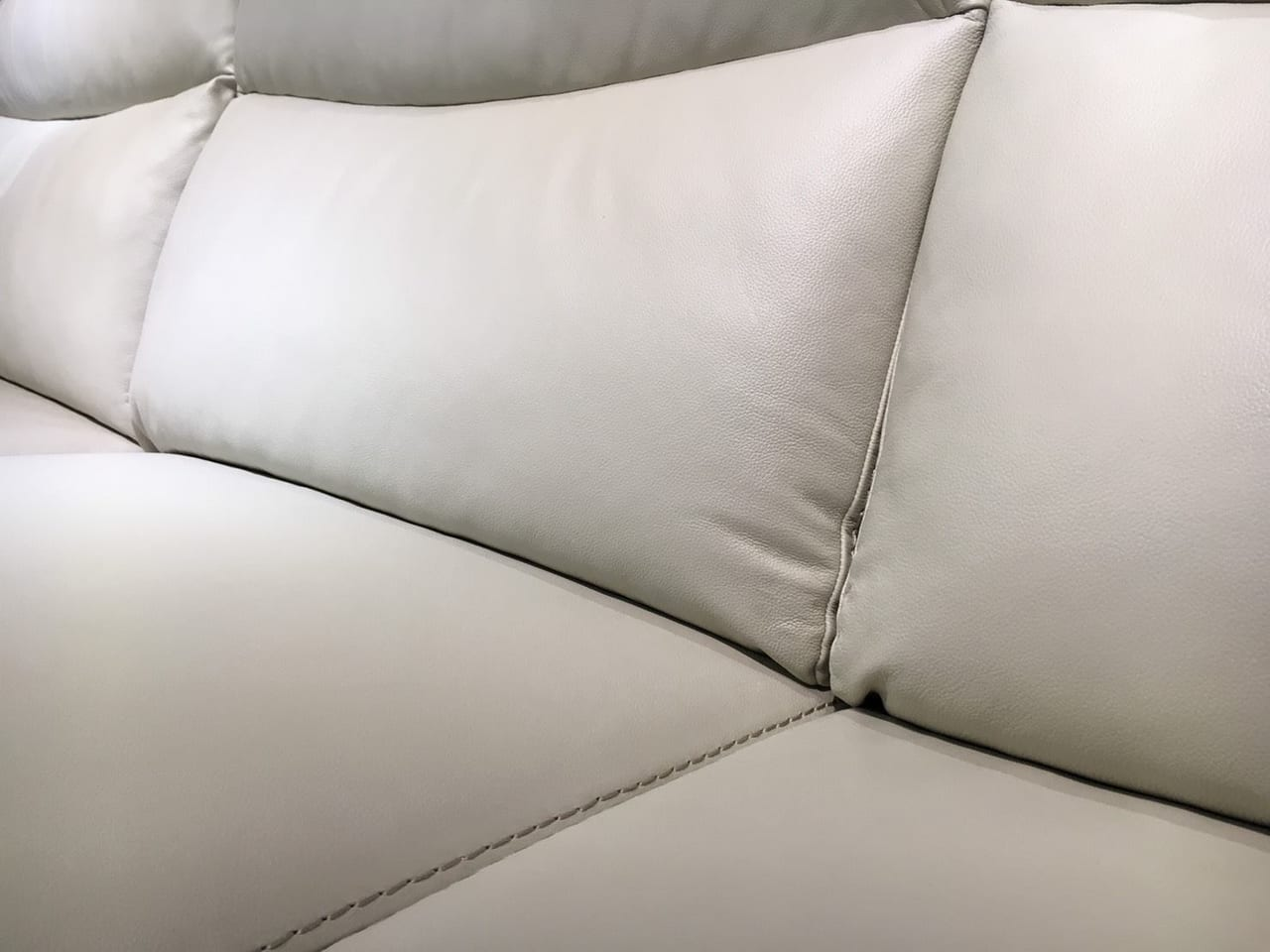 Sofa da thật EE27 văng 23