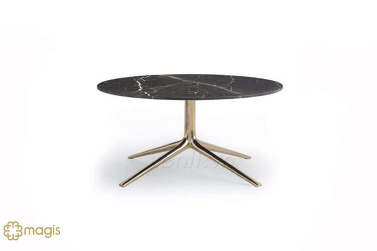 Thiết kế nhỏ nhắn thanh lịch của chiếc bàn trà Vast