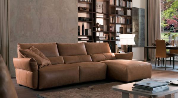 Mẫu sofa da thật nhập khẩu cao cấp cho phòng khách nhỏ