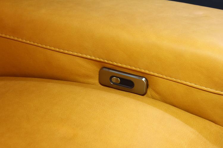 Nút điều khiển động cơ của Sofa da thật EE87 văng 3 có động