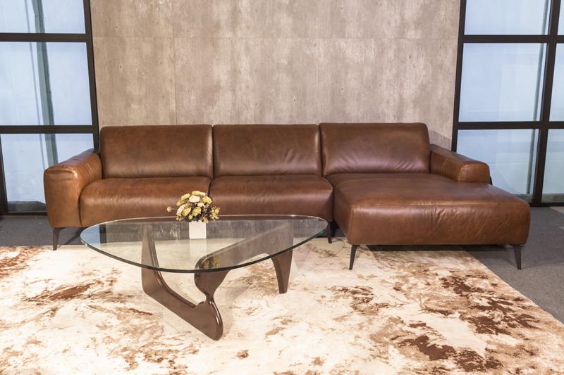 sofa da nâu sissy