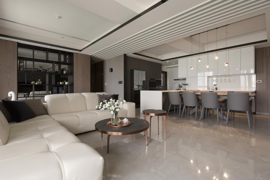 Sofa màu trắng mang tới không gian mát mẻ ngày hè
