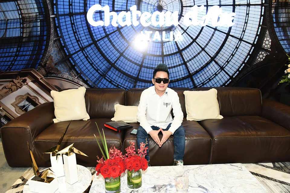 ca sĩ Tùng Dương tham dự khai trương showroom Kenli tại Hà Nội