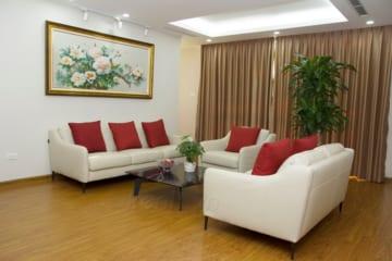 Sofa E130, bàn ghế ăn Howard/Grace, ghế Cast – Chị Hòe, Ngoại giao đoàn Hà Nội