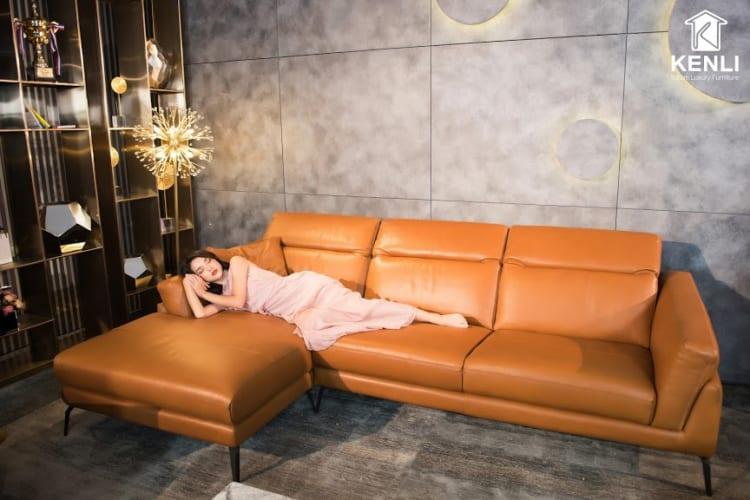 Sofa da thật F021 full bộ có thiết kế chân cao tạo cảm giác thanh thoát