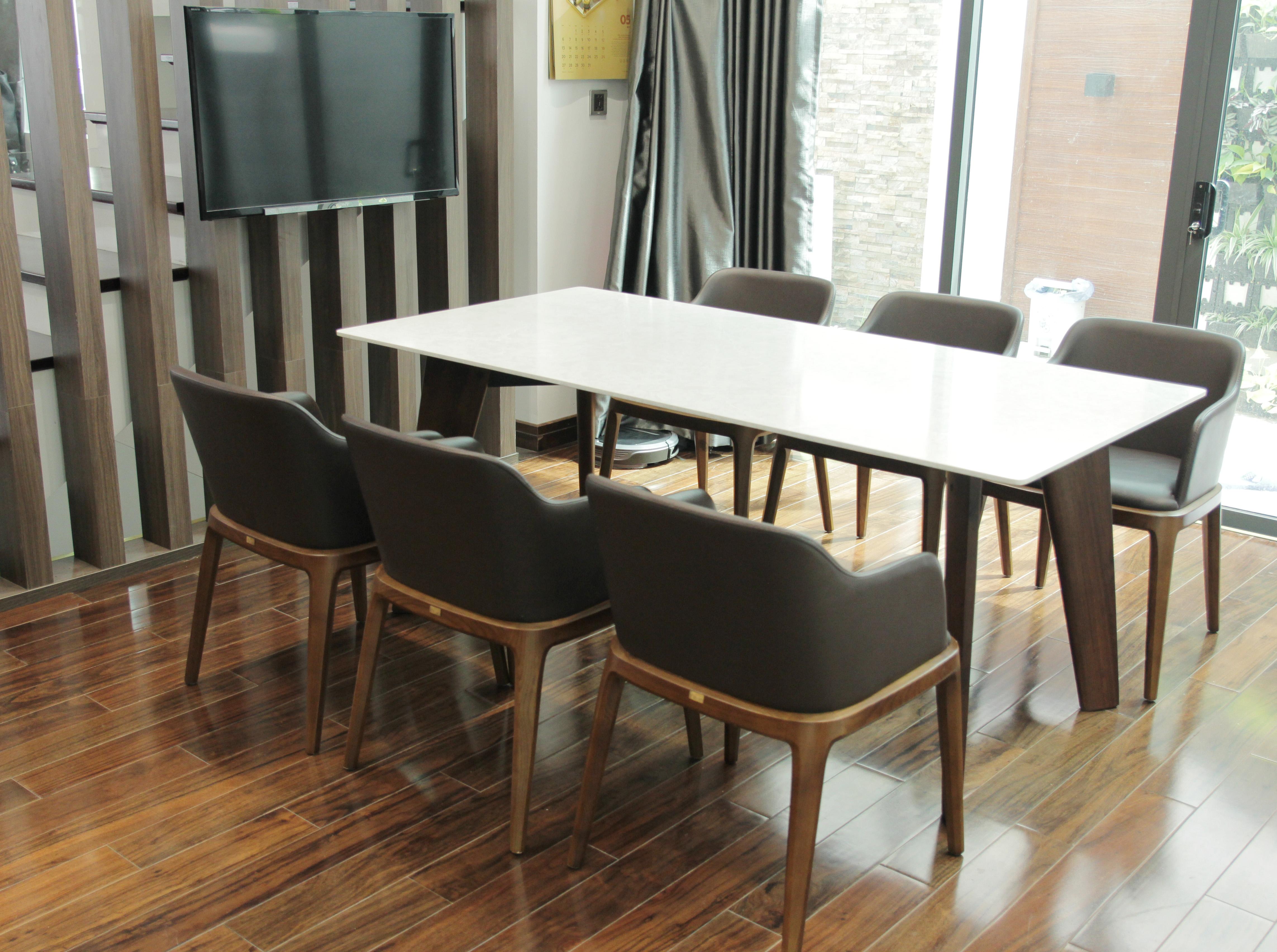 Bàn Howard, ghế Grace - Bộ đôi bàn ghế ăn hoàn hảo