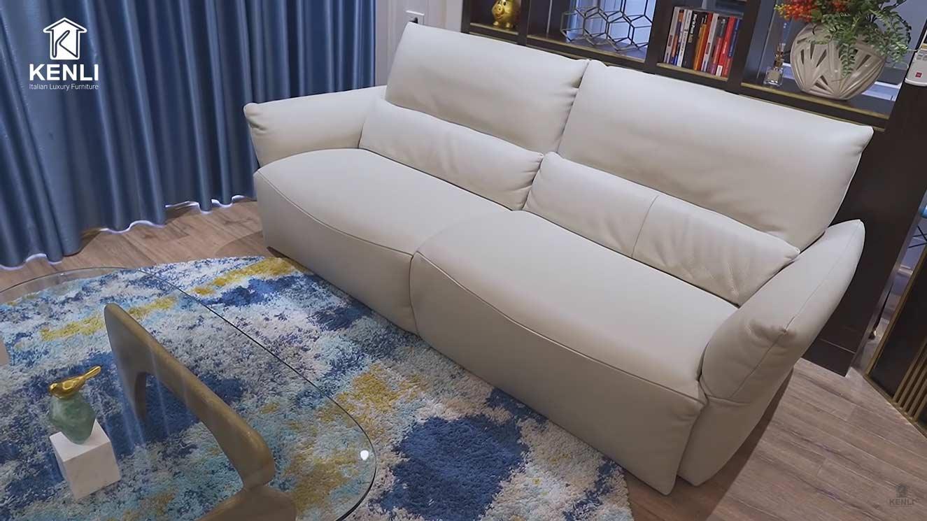 Sofa da thật Emma, bàn Noguchi tại nhà chị Lan