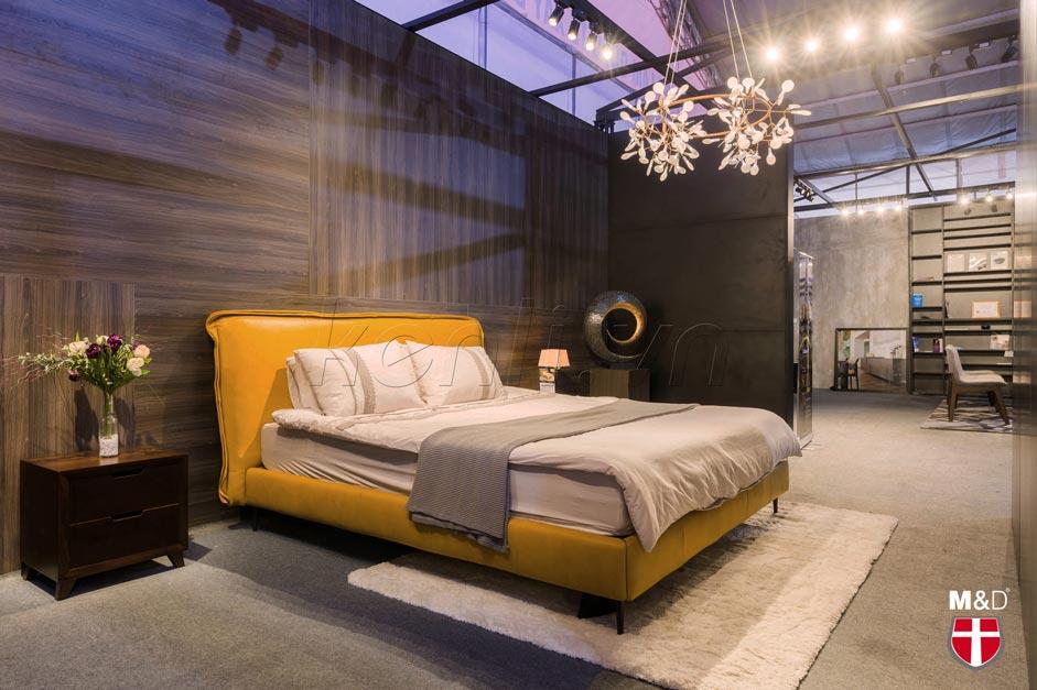 giường ngủ màu vàng đệm trắng