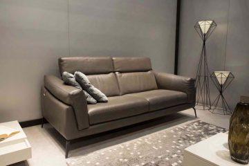 Tâm sự của ông bố trẻ khi mua ghế Sofa da cho phòng khách