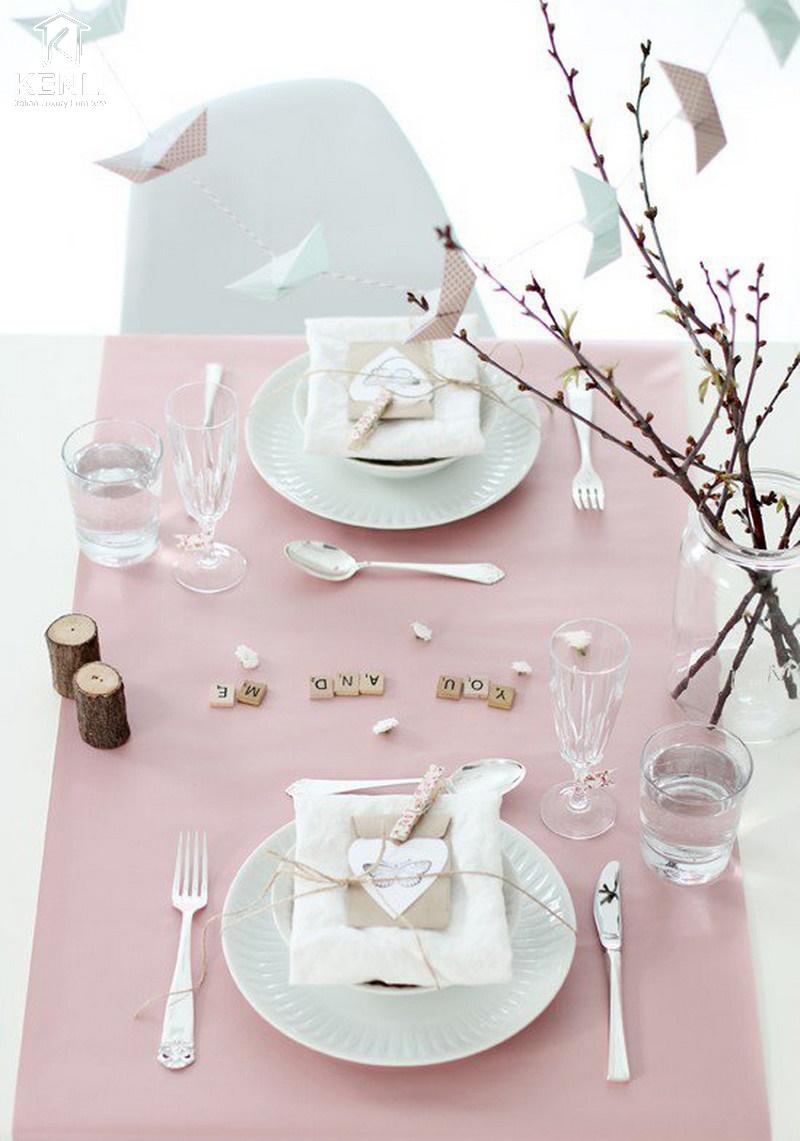 Trang trí ngày Valentine màu hồng