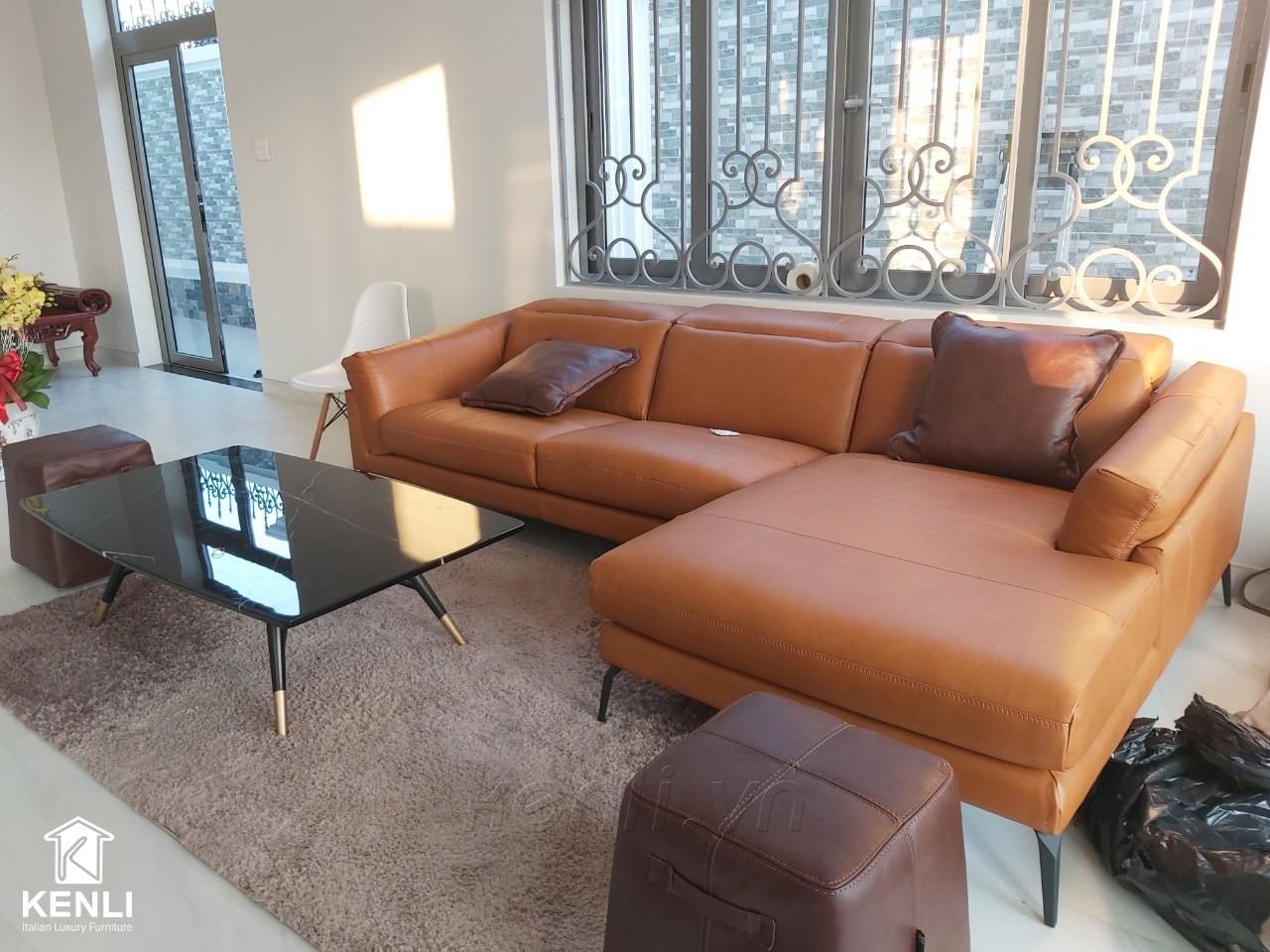 Sofa da thật F021 tại nhà khách hàng