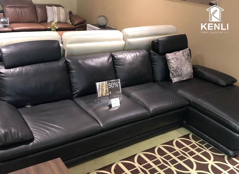 Một mẫu ghế sofa da thật cao cấp màu đen từ M&D