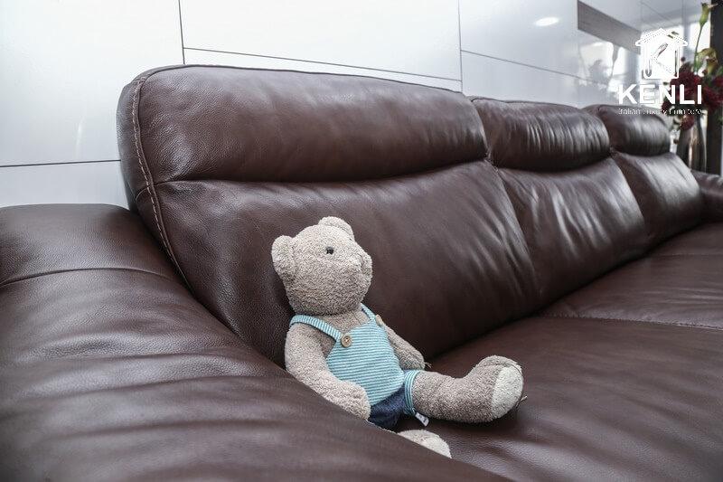 Ghế sofa đã dùng được một thời gian rồi