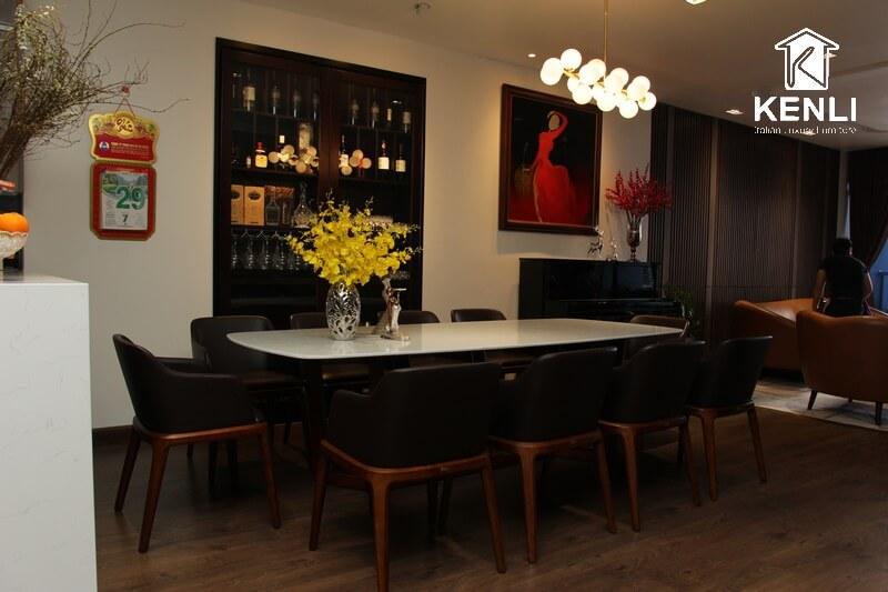 Bàn ghế ăn nhà khách ở Hoàng Như Tiếp