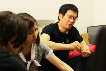 Nhân viên Kenli tự tay làm bánh đón Tết Hàn thực