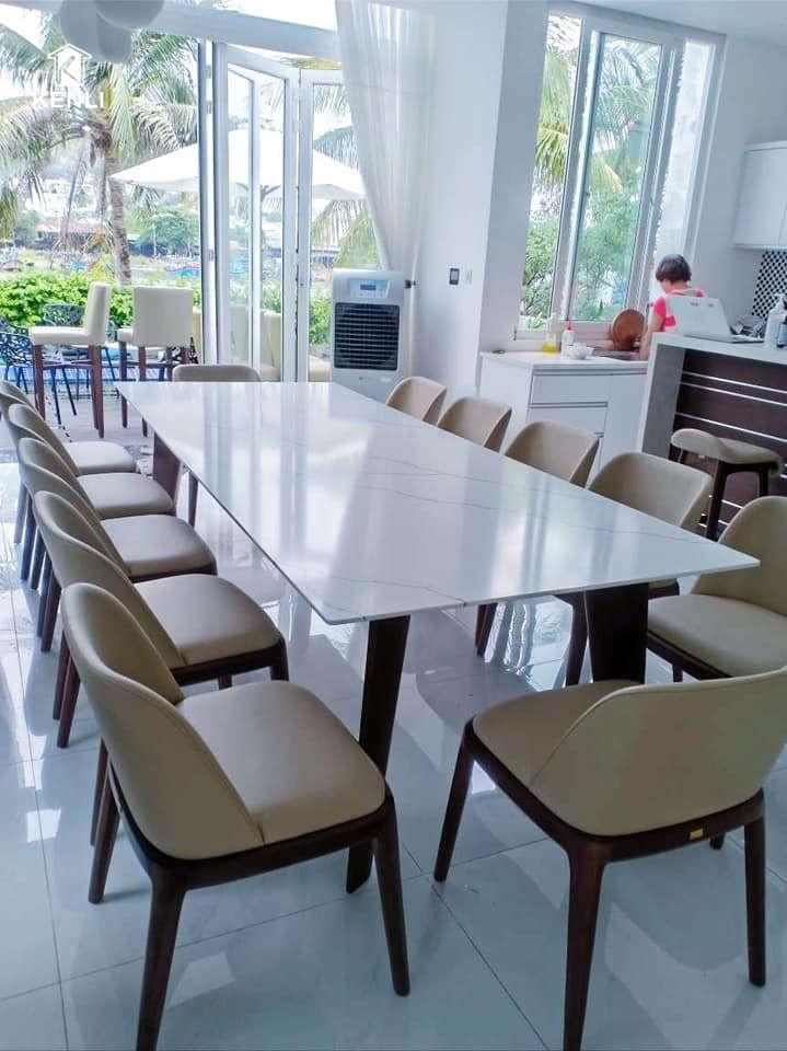 Bộ bàn ghế ăn mới