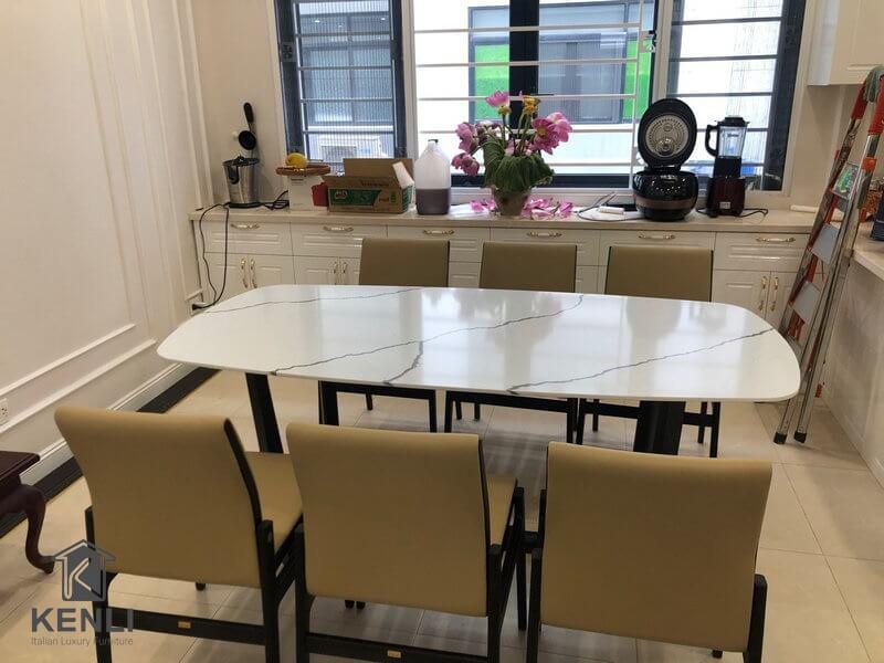 Bàn ăn Concorde, ghế Alva tại nhà khách ở Hà Nội