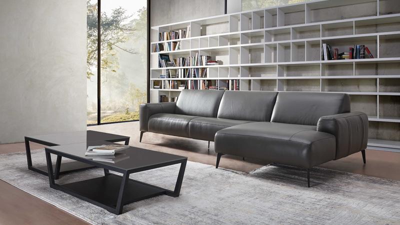 sofa da sissy