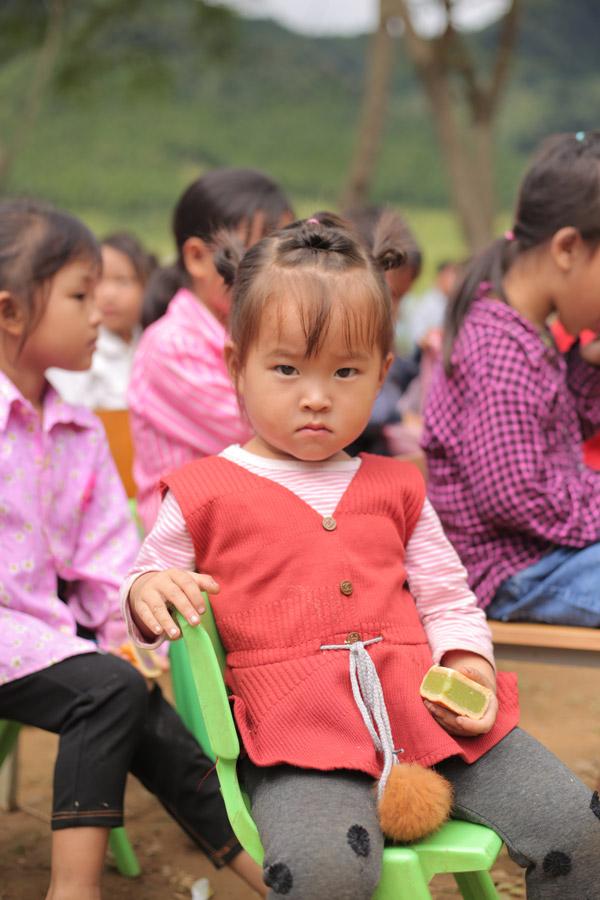 Kenli thiện nguyện tại Cao Bằng