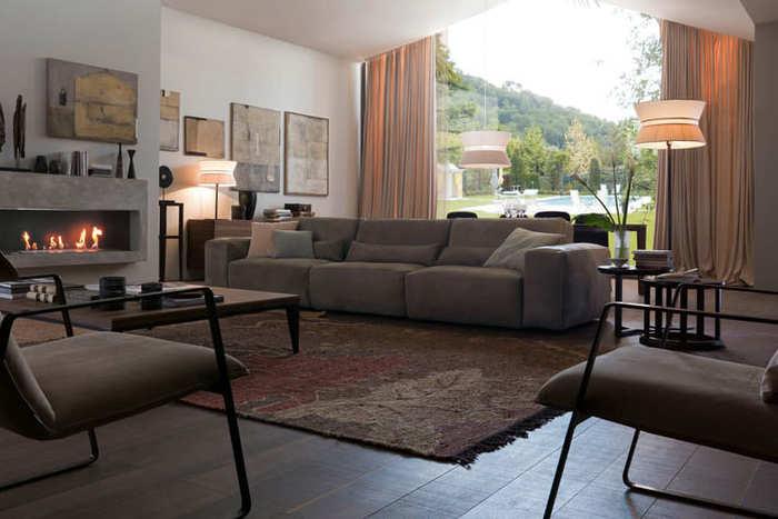 Sofa ba có nhiều kích thước đa dạng cho mọi người lựa chọn
