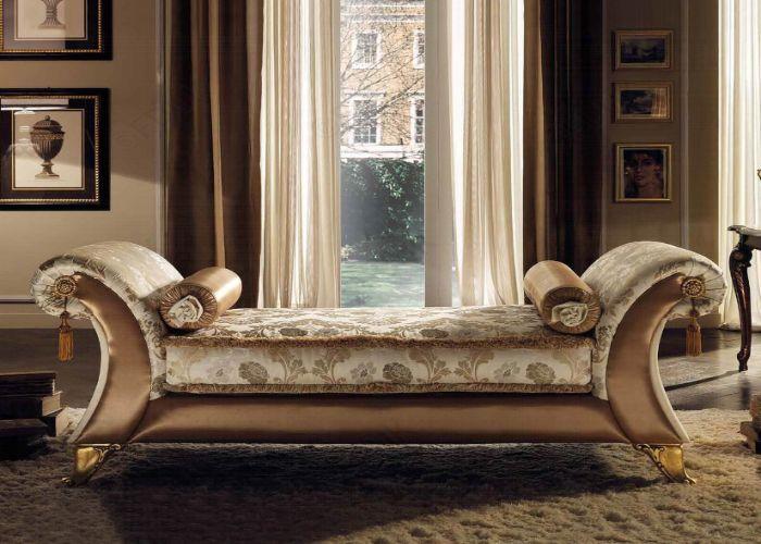 Mẫu Sofa phong cách tân cổ điển dáng nằm