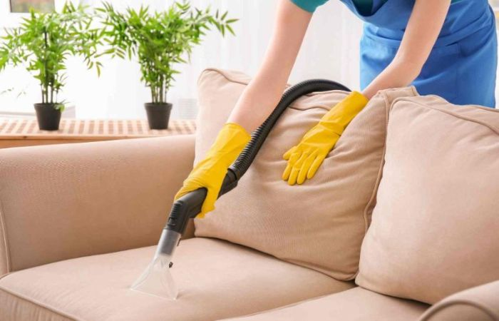 Cách vệ sinh ghế sofa hàng ngày không phải ai cũng làm đúng