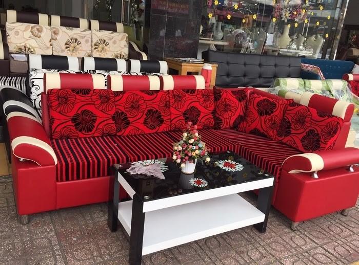 Chọn sofa màu đỏ tăng vẻ đẹp cá tính cho phòng khách