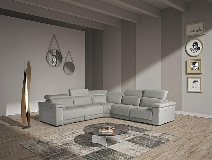 Nội thất căn phòng vô cùng thanh lịch nhờ sự xuất hiện của chiếc Sofa