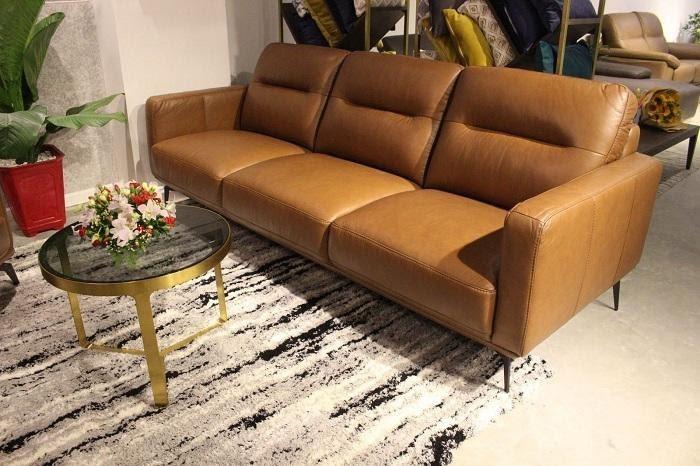 Mẫu sofa làm từ da bò màu nâu sang chảnh