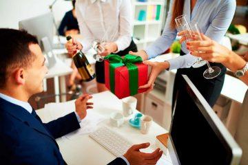 8 Món Quà Tặng Đẳng Cấp Cho Sếp Bạn Nên Chọn