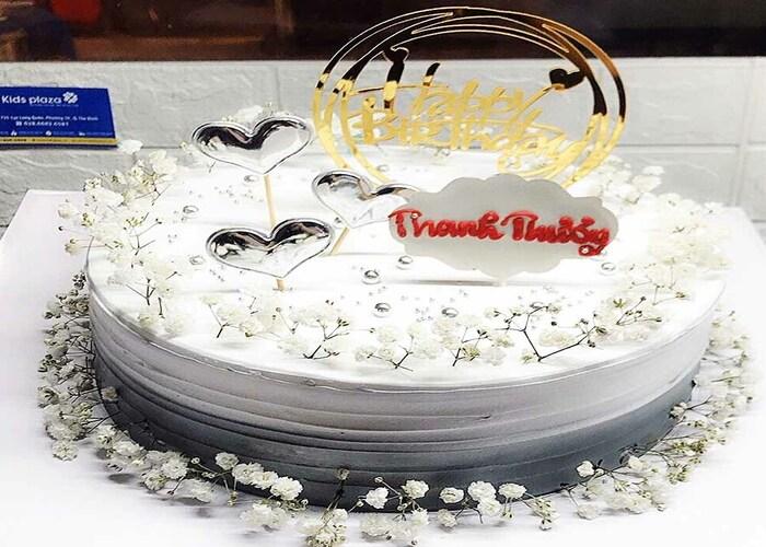 Bánh ngọt là món quà tặng đậm tính truyền thống