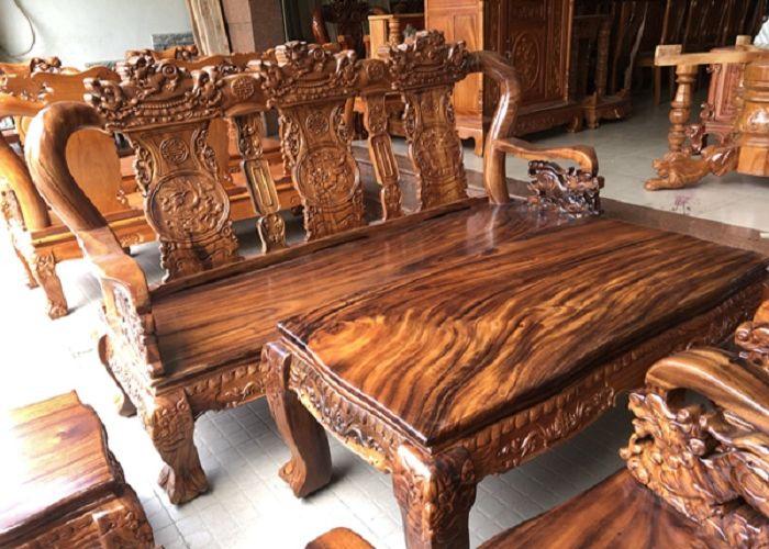Bàn ghế gỗ Sưa