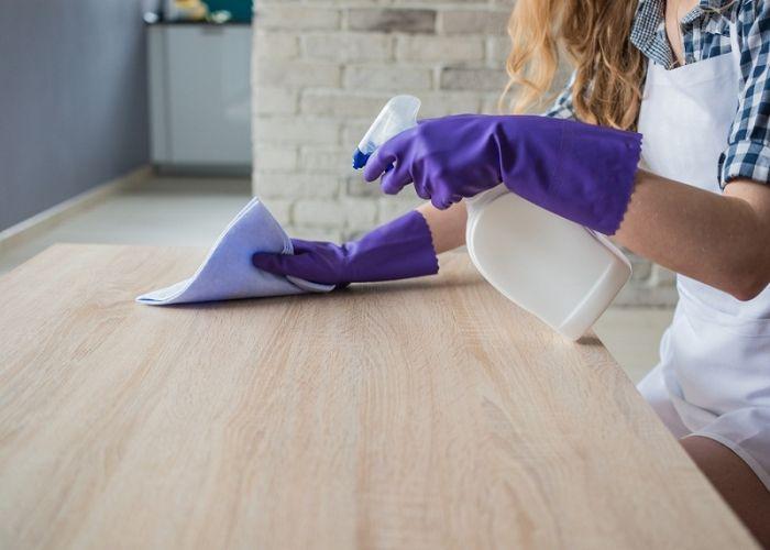 Cách vệ sinh mặt bàn ăn sạch dầu mỡ