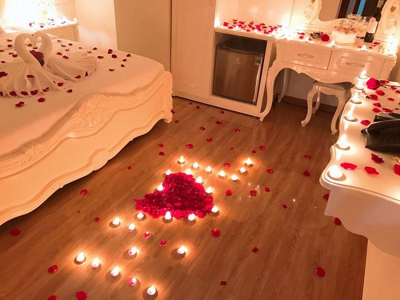 Cách trang trí giường đêm tân hôn
