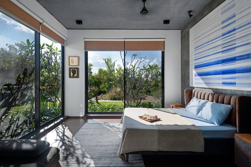Phòng ngủ bề mặt kính
